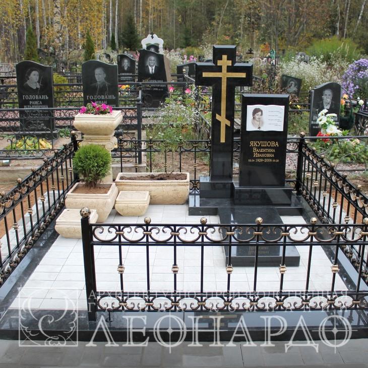 памятник из гранита на могилу - мемориал